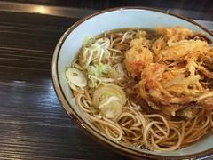 Soba topped with a mixed vegetable tempura from Monju @ Asakusa (Fuyuhiko) Tags: soba topped with mixed vegetable tempura from monju asakusa 文殊 そば 蕎麦 ソバ 浅草 かき揚げ 天ぷら 東京 tokyo