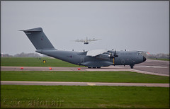 ZM416 Airbus A400M Atlas Royal Air Force (elevationair ✈) Tags: bzz egvn brize brizenorton rafbrizenorton raf royalairforce military arrival landing transporter prop quadprop airbus a400 atlas airbusa400m180 comet452 airbase airfield avgeek aviation airplane plane aircraft dull cloudy overcast zm416