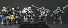Halo figures, with logo! (JellyBeanie81) Tags: spartan wetworks unsc marine banished brute halo lego megabloks figure military guns gun