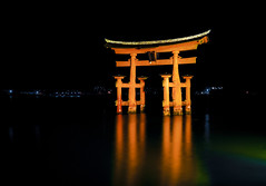 Itsukushima torii (DanÅke Carlsson) Tags: japan japanese miyajima torii gate stint shrine water night dark itsukushima