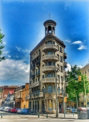 """Calle Pere IV. Barcelona • <a style=""""font-size:0.8em;"""" href=""""http://www.flickr.com/photos/26679841@N00/41101815935/"""" target=""""_blank"""">View on Flickr</a>"""