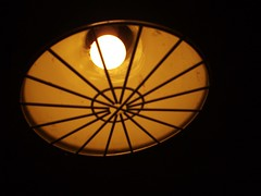 lamp at pike place (ms. neaux neaux) Tags: dawnarsenaux digital camera pentax grainy seattle washington