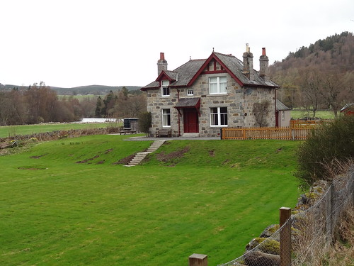 House at Crathie, Suspension Bridge