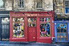 Victoria Street / West Bow, Edimburgo (Miguel Mora Hdez.) Tags: ventana puertas edimburgo fachadas calles escocia scotland edinburgh nikon d90 1755 nikkor