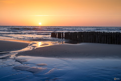 Sonnenuntergang bei den Buhnen am Westerländer Strand (visiological) Tags: meer sonne sonnenuntergang sun sundown sylt ocean schleswigholstein deutschland de