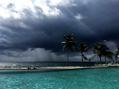 Sol y tormenta (jrblanco53) Tags: maya riviera méxico caribe sea mar tormenta storm lluvia rain sun sol