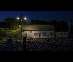 (Photo-LB) Tags: nikon d800 nikon58mm night nuit house maison floorlamp lampadaire lumière light street normandie seinemaritime couleurs