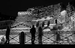 Silhouettes in the ruins (MiguelHax) Tags: roma lazio italy it blackandwhite bw wb monochrome noiretblanc blackwhite city silhouette