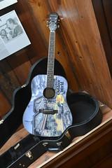 Bass Pro Shops Outdoor World Guitar (Adventurer Dustin Holmes) Tags: 2018 wondersofwildlife museum guitar acousticguitar musicalinstrument musicalinstruments outdoorworld bassproshop bassproshops whiteriver springfieldmo springfieldmissouri