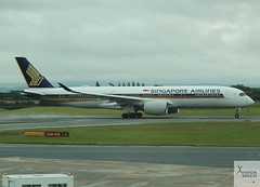 Singapore Airlines A350-941 9V-SMK taking off at MAN/EGCC (AviationEagle32) Tags: manchester man manchesterairport manchesteravp manchesterairportatc manchesterairportt1 manchesterairportt2 manchesterairportt3 manchesterairportviewingpark egcc cheshire ringway ringwayairport runway runwayvisitorpark uk unitedkingdom runway23r airport airplanes aircraft apron aviation aeroplanes avp aviationphotography avgeek aviationlovers aviationgeek aeroplane airplane planespotting planes plane flying flickraviation flight vehicle tarmac singaporeairlines staralliance airbus airbus350 a350 a350900 a350941 a359 9vsmk tak takeoff departure