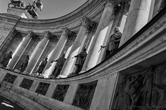 Hősök tere - Heroes' Square - Heldenplein (schreudermja) Tags: budapest boedapest heldenplein nikond800e thenetherlands martyschreuder bw hősöktere hosoktere heroessquare outdoor pestbuda buda pest városliget hungary hongarije hero heroes helden held statue building architecture
