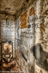 20171120_LANCASTER and WV_20171120-BFF_4940WV Penitentiary- (Bonnie Forman-Franco) Tags: penitentiary abandoned abandonedpenitentiary abandonedprison abandonedphotography moundsville jail cell photoladybon photography westvirginia westvirginiapenitentiary westvirginiaprison photographybywomen photographer prisoncell