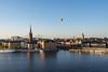 Skyline Balloon (rwibring) Tags: stockholm sweden summer sunset skyline balloon air nikon d7200 1685 city building water boat sky tower bridge river