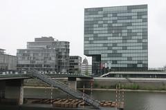 Hafenspitze mit Zwillingsturm, vorne das Hyatt (julia_HalleFotoFan) Tags: medienhafen hafen düsseldorf rhein nordrheinwestfalen nrw
