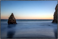 El Matador Beach, Malibu. (drpeterrath) Tags: canon eos5dsr 5dsr color landscape seascape water ocean rocks sun sky cloud longexposure california beach malibu travel weather sunset losangeles