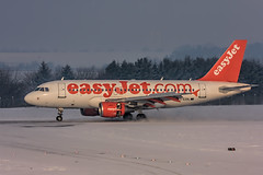 G-EZDL (Steve Perry B) Tags: snow easyjet landing a319 airbus