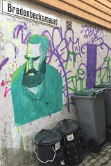Nute (svennevenn) Tags: pasteups nute bergen gatekunst streetart streetartbergen gatekunstbergen
