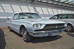 Ford Thunderbird (Triple-green) Tags: americanfreewaycarclub auto bramsche ford fujifilmxpro1 lensturbo pentacon pentacon2829 thunderbird uscar v8 zhongyilensturboii