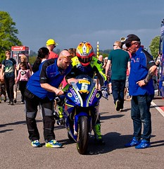 Last minute adjustments (Missy Jussy) Tags: britishsuperbikes racing motorbike oultonpark team people event 70200mm ef70200mmf4lusm ef70200mm canon70200mm 5d canon5dmarkll canon5d canoneos5dmarkii canon outdoor bluesky