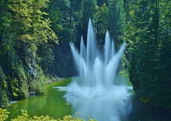 ... (marionetteMay) Tags: fountain water forest park thebutchartgardens canada victoria