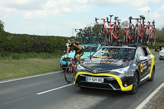 Direct Energie Team Car (Steve Dawson.) Tags: tourdeyorkshire mens cycle race bikes peloton uci stage1 beverleytodoncaster teams car skidby yorkshire england uk canoneos50d canon eos 50d ef28135mmf3556isusm ef28135mm f3556 is usm 3rd may 2018