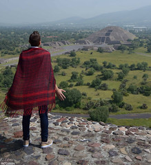 Teotihuacan Feelings- One of my Favorite places in the world. (El Lemus) Tags: teotihuacan pyramid pyramids men man myself architect architecture ellemus martinlemus martin lemus el edo mex estado de mexico edomex aztecs prehispanic prehispanico ruins ruinas ancient ancients beauty beautiful travel traveller around world spiritual espiritual paz peave red dress feel fellings feeling art artist love vacations vacaciones selfie open new