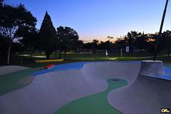 Skate lane in the park (Otacílio Rodrigues) Tags: pistadeskate skatelane parque park árvores trees caminhada walking jogging pôrdosol sunset grama grass céu sky resende brasil oro