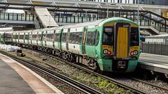 377603 (JOHN BRACE) Tags: 2012 bombardier derby built class 377 electrostar 377603 southern livery east croydon station