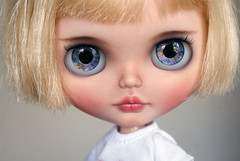 Evie (AlmondDoll) Tags: almonddoll almonddollart customblythe blythe doll artdoll blond almonddollcustom sbl superiorskatedate