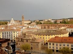 Tarazona, plaza de toros vieja, Catedral. (Eduardo OrtÍn) Tags: tarazona aragon catedral iglesia plazadetoros seminario rio