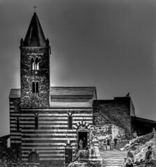 Lama di luce (danilocolombo69) Tags: chiesa sanpietro bianconero portovenere rocce campanile nuvoloso danilocolombo69 danilocolombo nikonclubit cinqueterre