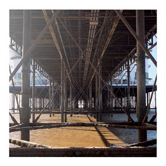 Under the Pier (ngbrx) Tags: westonsupermare somerset england grossbritannien great britain uk united kingdom pier sand sea meer water wasser