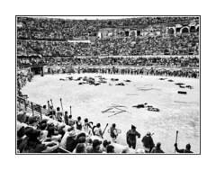 Vue partielle des Arènes de Nîmes (thierrybalint) Tags: arènes amphithéâtre amphitheater nîmes jeuxromains games figurants reconstitutionhistorique histoire spartacus gladiateurs centurions légions champdebataille battle nb bw nikon