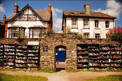 Hay-on-Wye: la Città dei Libri per tutti i booklovers (Cudriec) Tags: booklovers cardiff galles hayfestival hayonway letteratura libreria libri richardbooth vacanza viaggiare viaggio