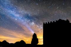 VIA LACTEA. (Javi Bermudez) Tags: monasterio de tentudía badajoz extremadura españa spain via lactea cielo sky milky way nocturna larga exposicion 11mm tokina d7200 nikon trípode