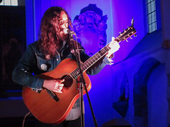 Jesse Aycock St Pancras Old Church London May 2018 (www.kevinoakhill.com) Tags: carter sampson st pancras old church london may 2018 hannah rose platt jessie jesse aycock acock lauren barth chapel amazing beautiful wonderful fantastic brilliant music live gig show concert time out londonist guitar acoustic country americana harmony harmonies male female man woman cowboy hat cowgirl queen oklahoma ok photo photos photography canon ixus 285 pocket camera