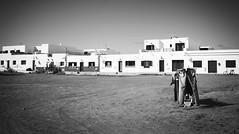 Sand drying (Iván G. Fernández, Fotografía) Tags: photo photography streetphoto streetphotobw sand desert clothes hanging dametravler bestplacetogo canonphoton 5dmark2 nofilter instagood instashot travelphotography