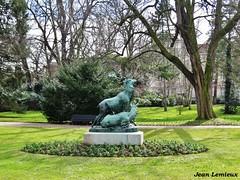 Jardin du Luxembourg (JeanLemieux91) Tags: luxembourg statue estatua jardin arbres trees árboles fleurs flowers flores paris îledefrance france mars march marzo hiver winter invierno 2017