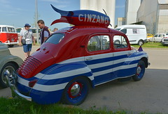 Renault 4cv Cinzano tour de France 1952 (pontfire) Tags: renault 4cv tour de france 1952 lesrétrosduplateau renault4cv automobilefrançaise vieillevoiture voitureancienne automobiledecollection frenchcars oldcars antiquecars classiccars voiturepopulaire car cars auto autos automobili automobile automobiles voiture voitures coche coches carro carros wagen pontfire worldcars voituredecollection automobileancienne