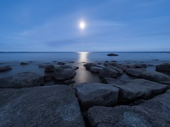 Silence (Jarno Nurminen) Tags: emäsalo porvoo finland balticsea nightphotography rocks reflection moon