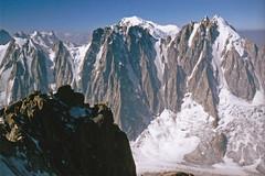 Souvenir........ sommet de l'Aiguille d'Argentière (Yvan LEMEUR) Tags: argentière alpinisme alpes massifdumontblanc neige glacier lesdroites lescourtes aiguilleverte montblanc glacierdumilieu chamonix landscape paysage extérieur crevasse hautesavoie