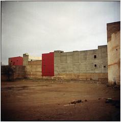 .so many times the prints don't match the brush that painted it (Herr Benini) Tags: marocco morocco kiev88 analog 6x6 africa film mediumformat calcio soccer taroudant house redhouse footbal