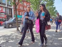 20180514T12-22-26Z-_5149281 (fitzrovialitter) Tags: england gbr geo:lat=5151495800 geo:lon=014355700 geotagged oxfordcircus unitedkingdom westendward girl peterfoster fitzrovialitter rubbish litter dumping flytipping trash garbage urban street environment london streetphotography documentary authenticstreet reportage photojournalism editorial captureone littergram exiftool olympusem1markii mzuiko 1240mmpro city ultragpslogger geosetter