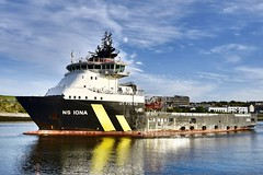 NS Iona - Aberdeen Harbour Scotland - 17/5/2018 (DanoAberdeen) Tags: danoaberdeen nsiona candid amateur 2018 autumn winter spring summer aberdeenharbour aberdeenscotland seaport workboats tug tugboats cargoships psv abz abdn gb uk supplyships oilships offshore offshoreships oilindustry maritime northeast scotland ships boats vessels water northsea geotagged