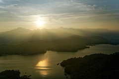 2018-05-19 18.12.55 (pang yu liu) Tags: 2018 05 may travel nantou 五月 旅遊 南投 日月潭 sun moon lake 日落 夕照 sunset dusk 慈恩塔