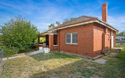 390 Perry St, Albury NSW 2640