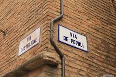 castiglion de' pepoli (marco prete) Tags: via street targa plate muro wall bologna castigliondepepoli toponomastica divertimento fun