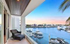 10 King Charles Drive, Sovereign Islands Qld