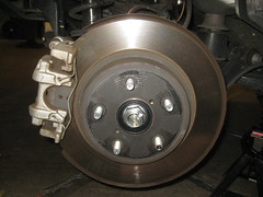2015-2018 Subaru Outback Rear Brakes - Caliper, Bracket, Rotor - Changing Rear Brake Pads (paul79uf) Tags: 2015 2016 2017 2018 subaru outback suv station wagon rear brake pad pads rotor caliper bracket change changing replace replacing replacement guide how diy tutorial instructions steps part number como hacer cambiar frenos numero de parte sixth 6th generation torque spec specifications specs slider pin