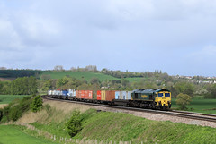 66518 - Newton St Loe (Andrew Edkins) Tags: 66518 freighttrain newtonstloe somerset railwayphotography 4l31 intermodal containers geotagged freightliner england canon boxes april 2018 spring shed type5 gm morning light
